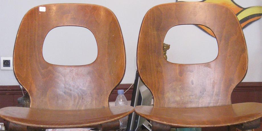 histoire de la chaise en bois baumann 1950 label industrie. Black Bedroom Furniture Sets. Home Design Ideas