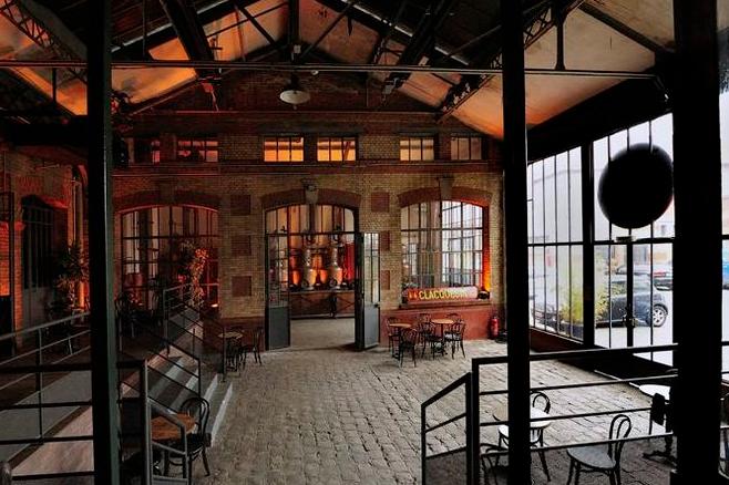 Une distillerie réhabilitée en salle de spectacles